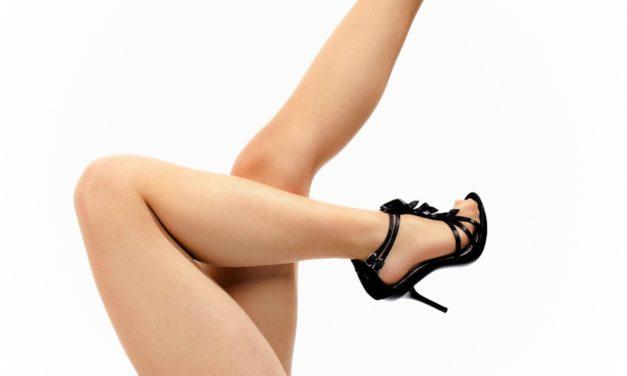 Silonky ve spreji jsou skvělý make up na nohy